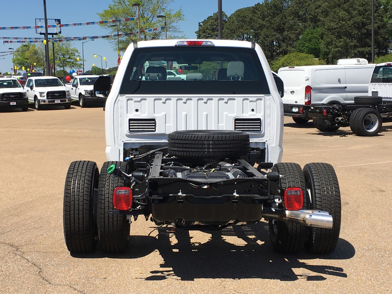 2017 F-350 Crew Cab DRW, Cab Chassis #HED21569 - photo 4