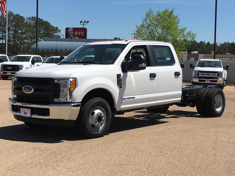 2017 F-350 Crew Cab DRW, Cab Chassis #HED21569 - photo 5