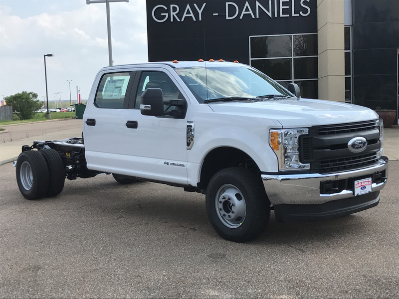 2017 F-350 Crew Cab DRW 4x4, Cab Chassis #HED21570 - photo 3