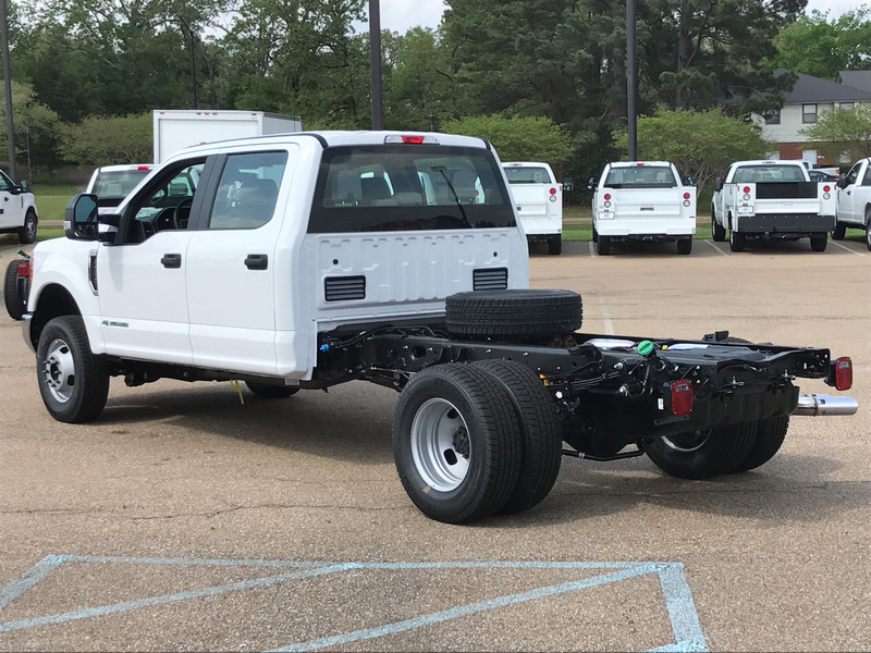 2017 F-350 Crew Cab DRW 4x4, Cab Chassis #HED21570 - photo 2