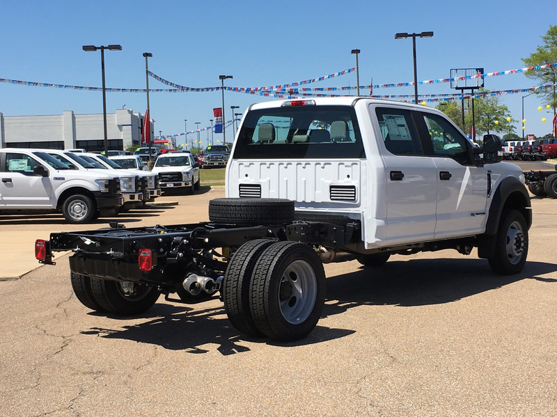 2017 F-450 Crew Cab DRW, Cab Chassis #HED21571 - photo 2