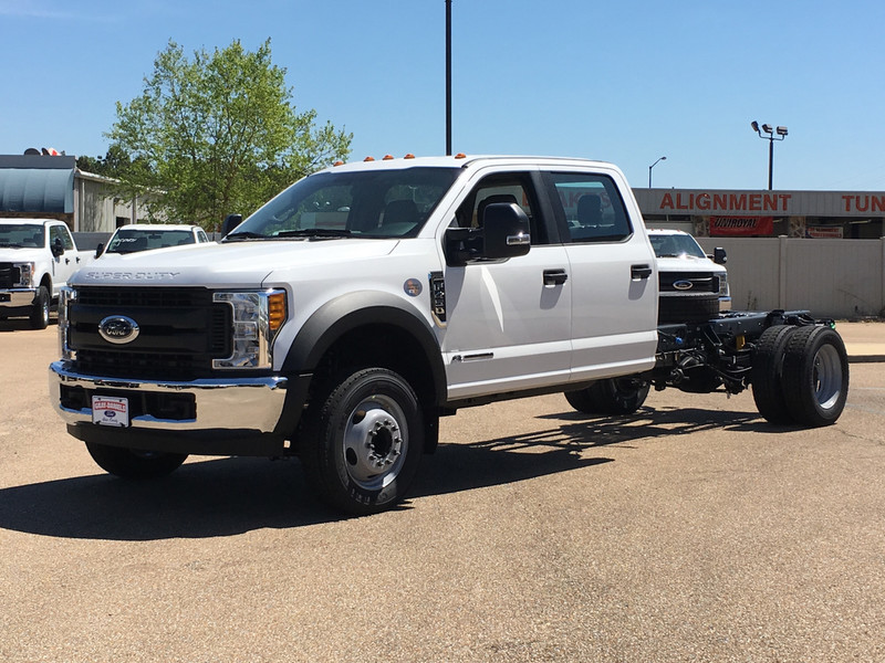 2017 F-450 Crew Cab DRW, Cab Chassis #HED21572 - photo 5