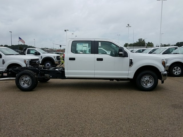 2018 F-250 Crew Cab 4x2,  Cab Chassis #JEB56863 - photo 5