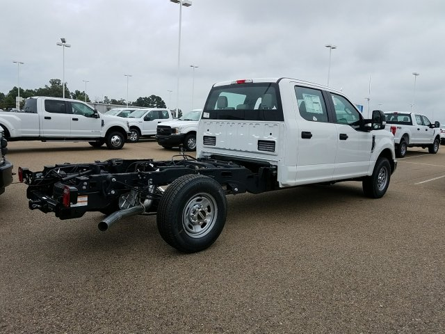 2018 F-250 Crew Cab 4x2,  Cab Chassis #JEB56863 - photo 2