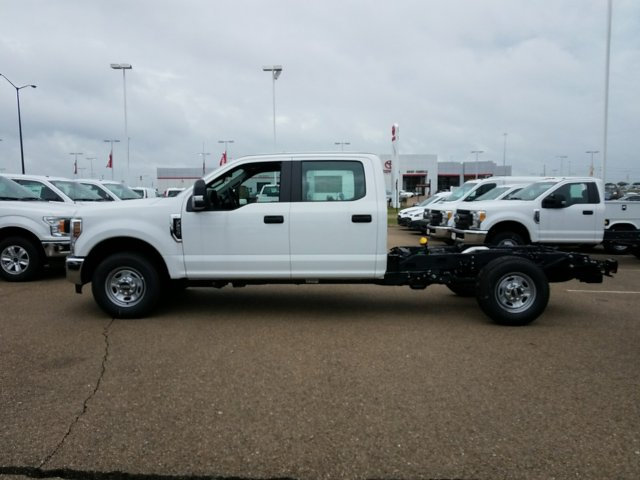 2018 F-250 Crew Cab 4x2,  Cab Chassis #JEB56863 - photo 6