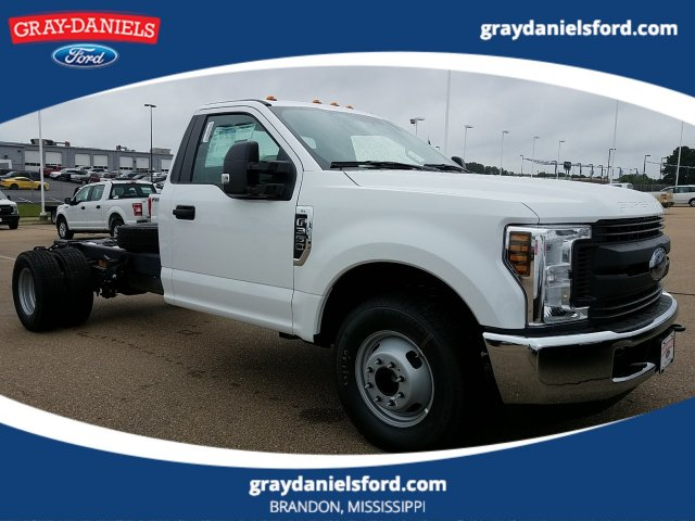 2018 F-350 Regular Cab DRW 4x2,  Cab Chassis #JEC53178 - photo 1