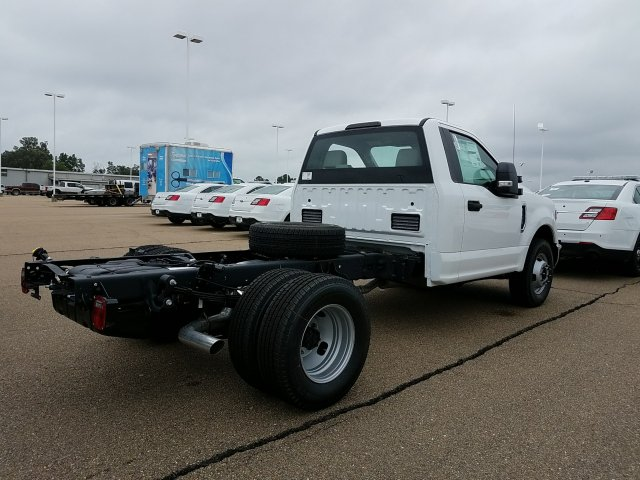2018 F-350 Regular Cab DRW 4x2,  Cab Chassis #JEC53179 - photo 2