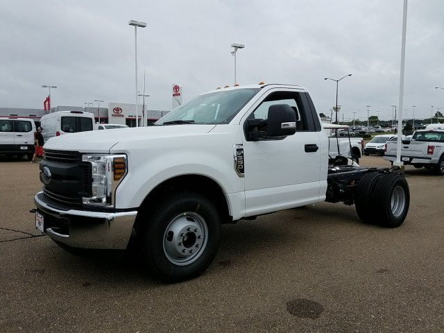 2018 F-350 Regular Cab DRW 4x2,  Cab Chassis #JEC53179 - photo 5