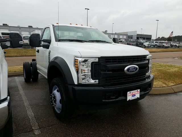 2018 F-450 Regular Cab DRW 4x2,  Cab Chassis #JEC64119 - photo 1