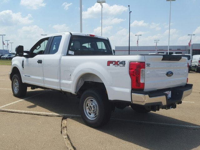 2018 F-250 Super Cab 4x4,  Pickup #JEC86947 - photo 2
