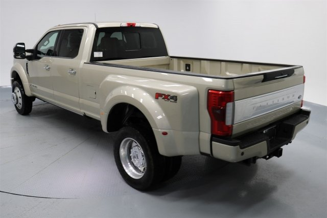 2017 F-450 Crew Cab DRW 4x4 Pickup #FTH2329 - photo 2