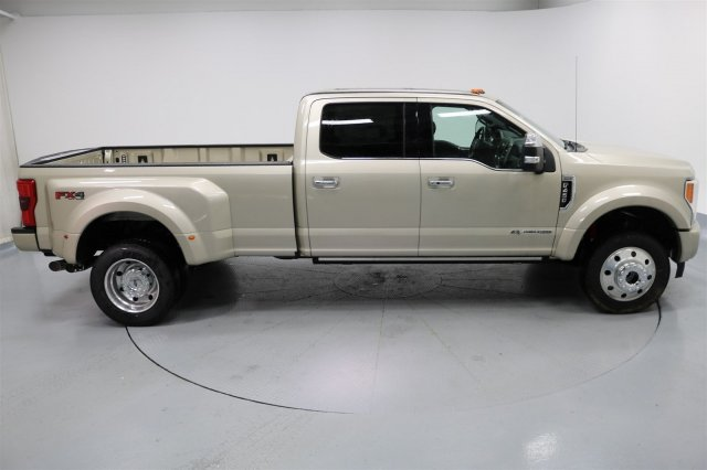 2017 F-450 Crew Cab DRW 4x4 Pickup #FTH2329 - photo 8