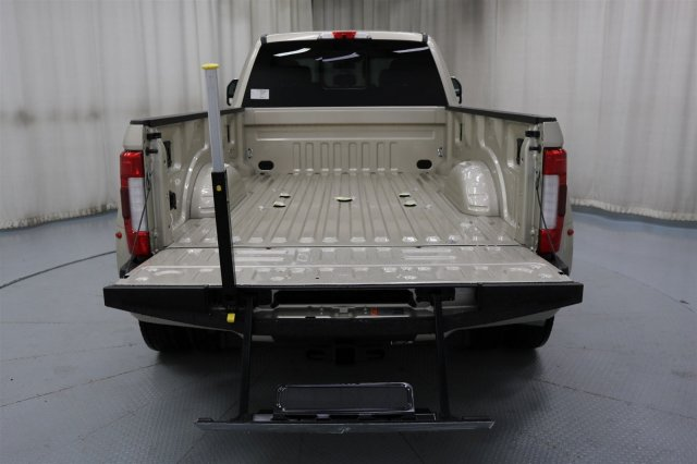 2017 F-450 Crew Cab DRW 4x4 Pickup #FTH2329 - photo 13