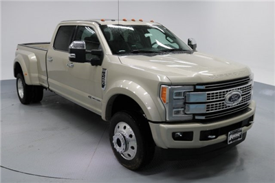 2017 F-450 Crew Cab DRW 4x4 Pickup #FTH2329 - photo 3