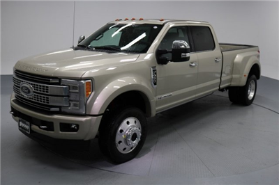2017 F-450 Crew Cab DRW 4x4 Pickup #FTH2329 - photo 1