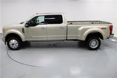 2017 F-450 Crew Cab DRW 4x4 Pickup #FTH2329 - photo 5