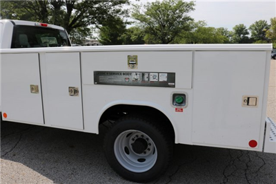 2017 F-550 Crew Cab DRW, Reading Classic II Steel Service Body #FTH3949 - photo 17