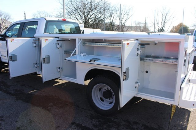 2017 F-550 Crew Cab DRW 4x4, Reading Classic II Steel Service Body #FTH4230 - photo 14