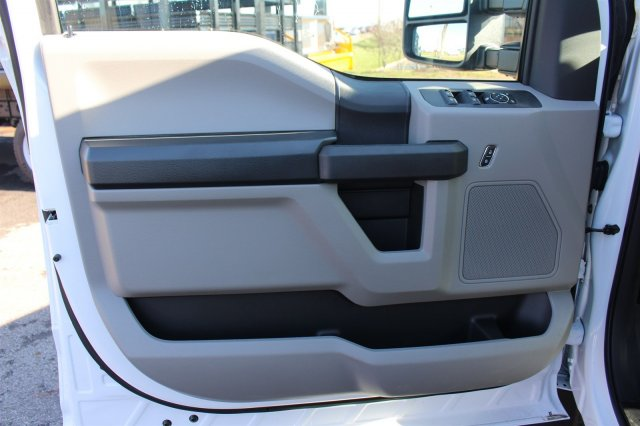 2017 F-550 Crew Cab DRW 4x4, Reading Classic II Steel Service Body #FTH4230 - photo 17