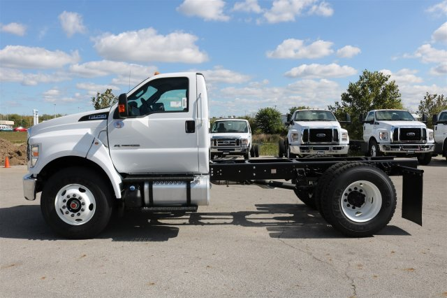 2017 F-750 Regular Cab Cab Chassis #FTH4562 - photo 5