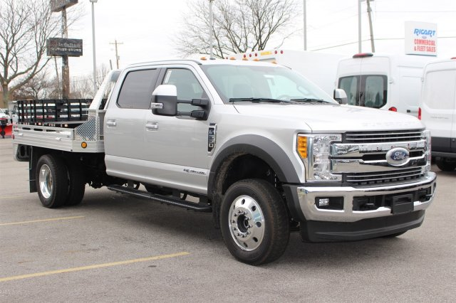 2017 F-550 Crew Cab DRW 4x4, Hillsboro Platform Body #FTH4771 - photo 3