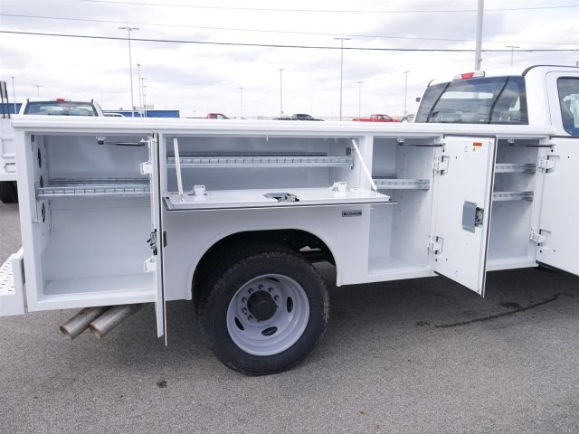 2018 F-550 Crew Cab DRW 4x4,  Reading Service Body #FTJ2561 - photo 15