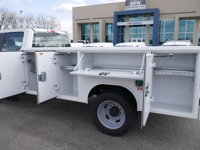 2018 F-550 Crew Cab DRW 4x4,  Reading Service Body #FTJ2561 - photo 18