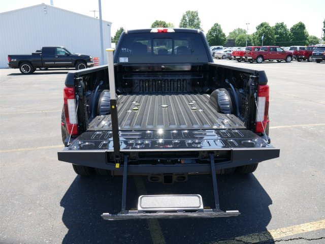 2018 F-450 Crew Cab DRW 4x4,  Pickup #FTJ3470 - photo 22
