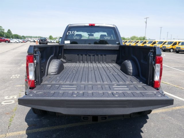 2018 F-450 Crew Cab DRW 4x4,  Pickup #FTJ3731 - photo 18