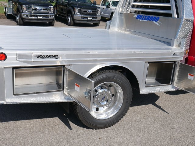 2018 F-550 Crew Cab DRW 4x4,  Hillsboro Platform Body #FTJ4137 - photo 13