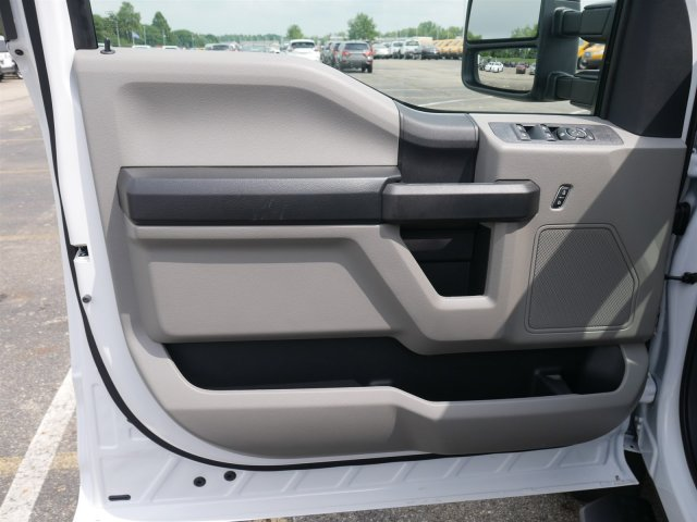 2018 F-550 Crew Cab DRW 4x4,  Freedom Platform Body #FTJ4197 - photo 17