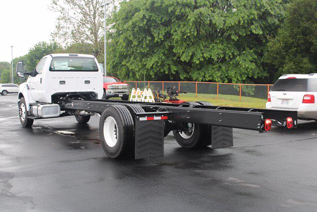 2022 Ford F-750 Regular Cab DRW 4x2, Cab Chassis #FTN1052 - photo 1