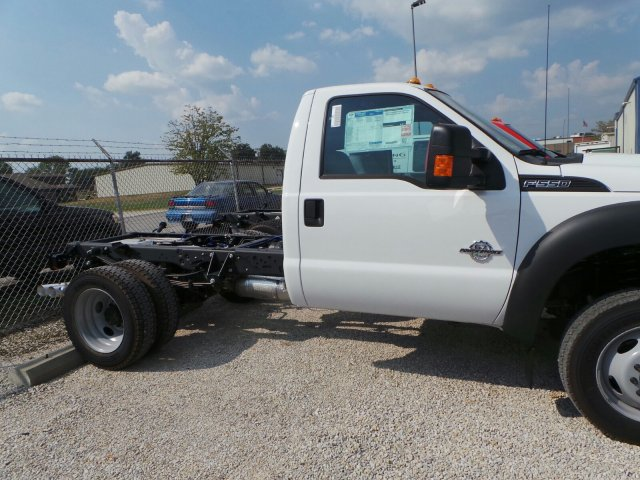 2016 F-550 Regular Cab DRW 4x4, Cab Chassis #GEA51397 - photo 5