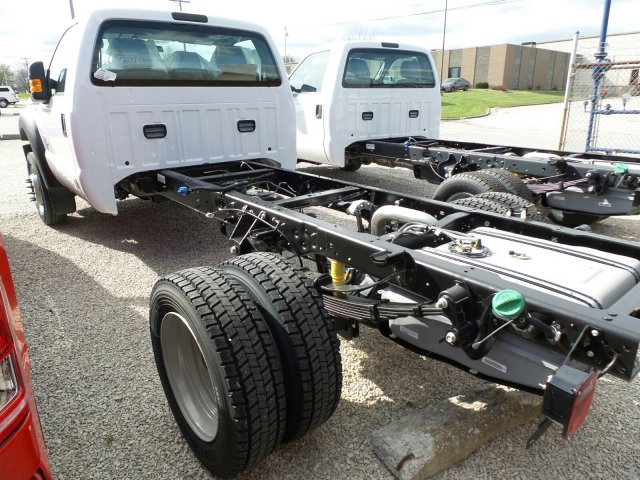 2016 F-450 Regular Cab DRW 4x4, Cab Chassis #GEC62376 - photo 2