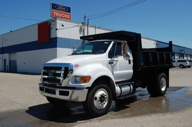 2015 F-750 Regular Cab DRW 4x2,  Imperial Dump Body #V099451 - photo 1