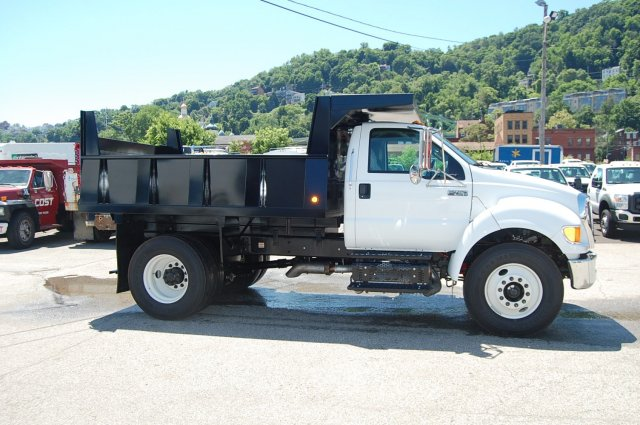 2015 F-750 Regular Cab DRW 4x2,  Imperial Dump Body #V099451 - photo 4
