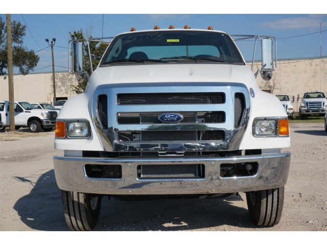 2015 F-750 Regular Cab DRW Cab Chassis #V688913 - photo 3