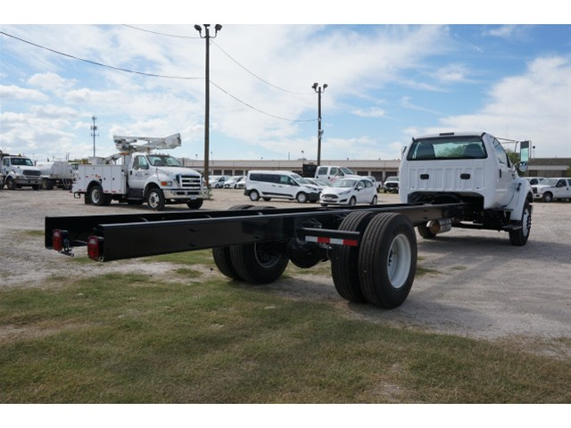 2015 F-650 Regular Cab DRW Cab Chassis #V723747 - photo 2