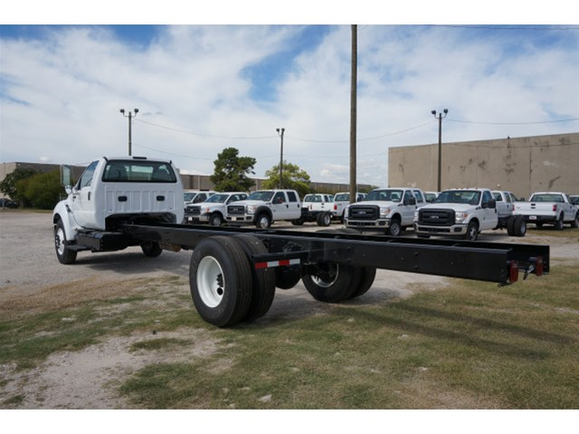 2015 F-650 Regular Cab DRW Cab Chassis #V723747 - photo 4
