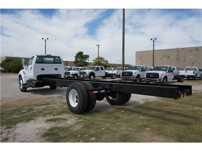 2015 F-650 Regular Cab DRW,  Cab Chassis #V723747 - photo 4