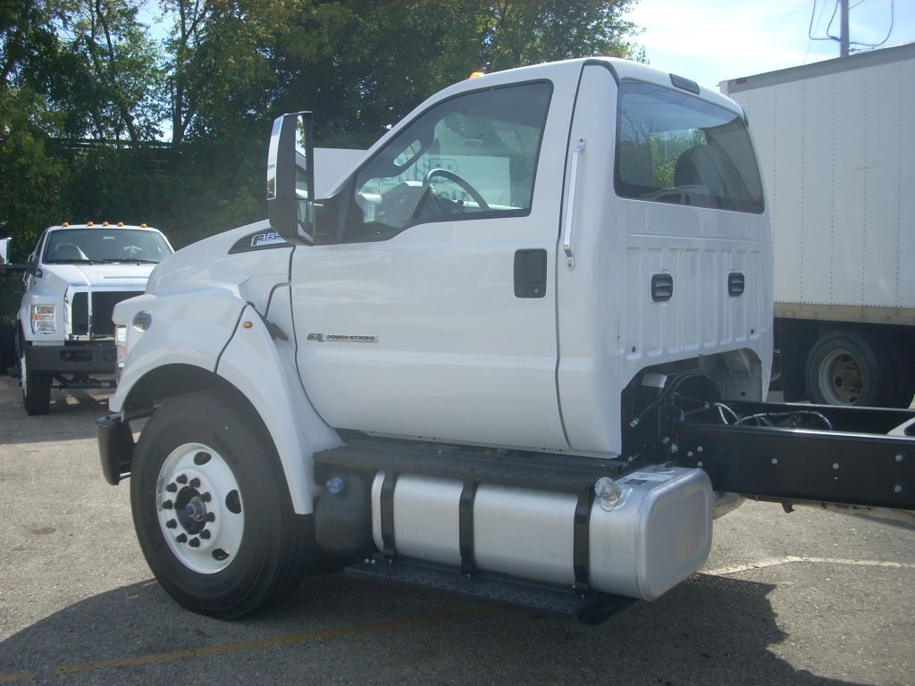2017 F-650 Regular Cab, Cab Chassis #H0701 - photo 7