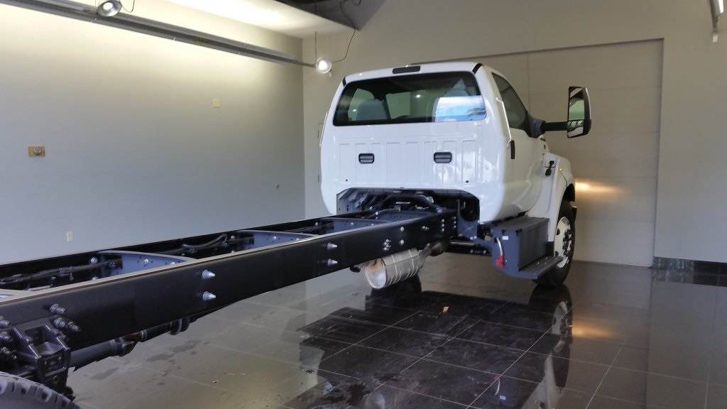 2017 F-650 Regular Cab DRW, Cab Chassis #H0820 - photo 2