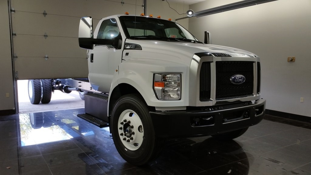 2017 F-650 Regular Cab DRW, Cab Chassis #H0821 - photo 3