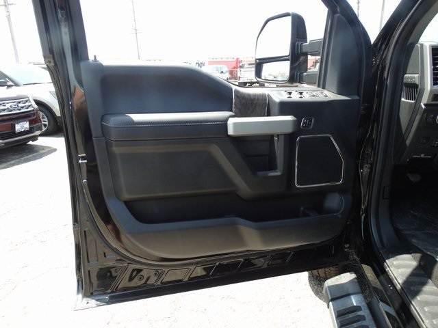 2018 F-250 Crew Cab 4x4, Pickup #00055643 - photo 11