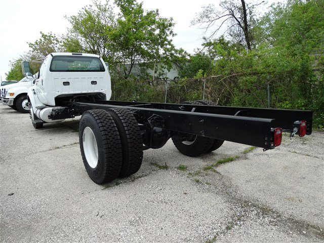 2015 F-650 Regular Cab DRW, Cab Chassis #51654 - photo 2