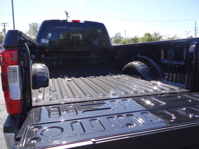 2017 F-350 Crew Cab 4x4 Pickup #55170 - photo 6
