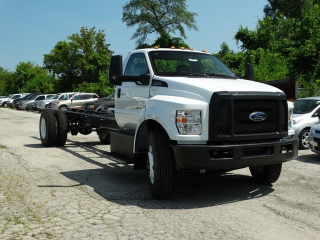 2018 F-750 Regular Cab DRW 4x2,  Cab Chassis #56066 - photo 6