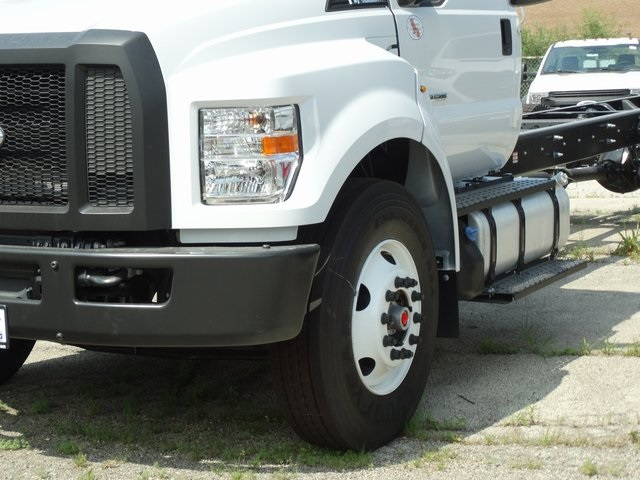2018 F-750 Regular Cab DRW 4x2,  Cab Chassis #56123 - photo 4