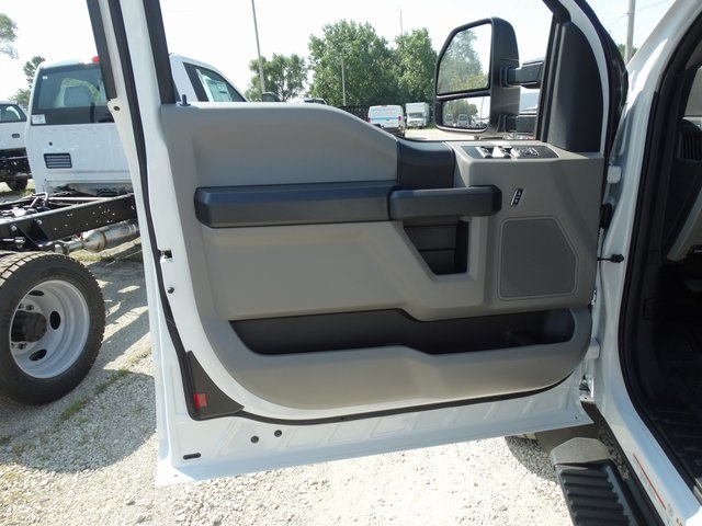 2019 F-450 Super Cab DRW 4x4,  Cab Chassis #56166 - photo 9