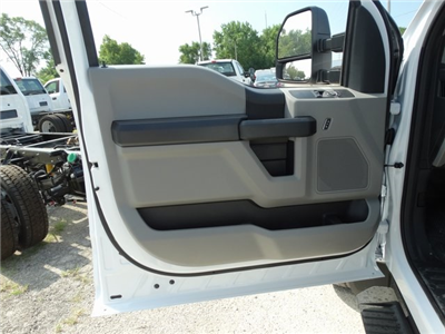 2019 F-450 Regular Cab DRW 4x2,  Cab Chassis #56178 - photo 9